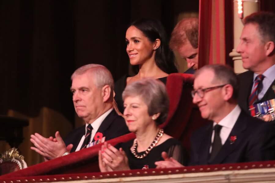 Meghan Markle (enceinte) et le prince Harry au concert commémoratif Royal British Legion Festival of Remembrance