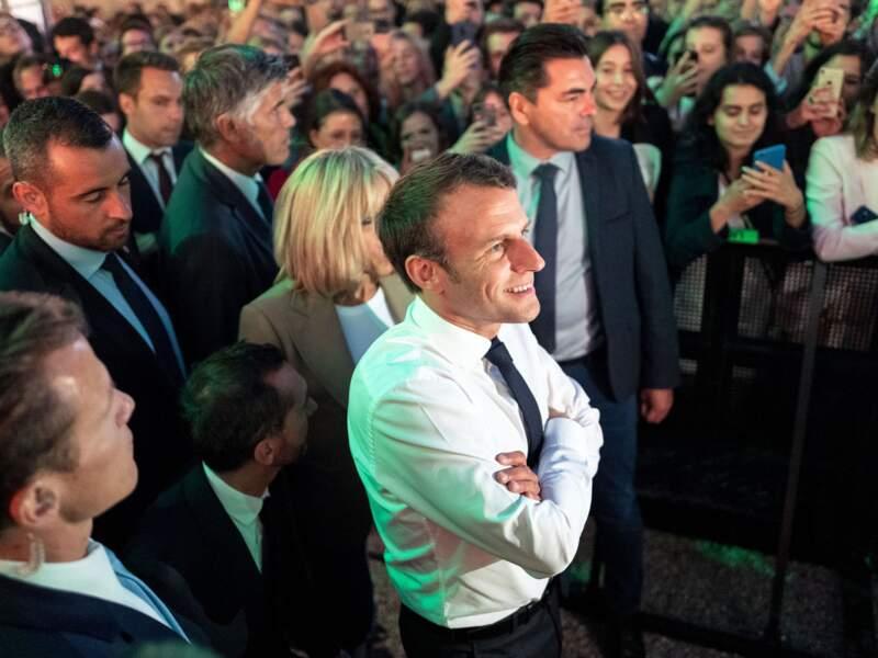 Le président de la République Emmanuel Macron avec les citoyens pour fêter la Fête de la musique
