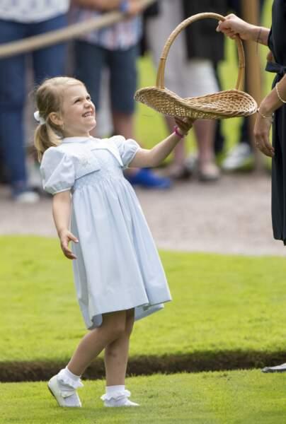 Estelle, la facétieuse petite princesse de Suède