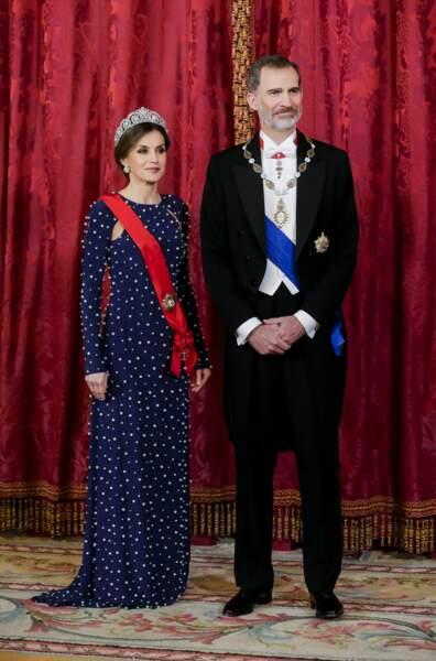 Le roi Felipe VI et la reine Letizia d'Espagne au palais royal de Madrid.