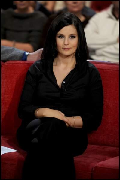 Faustine Bollaert so dark le 4 décembre 2008 à Paris