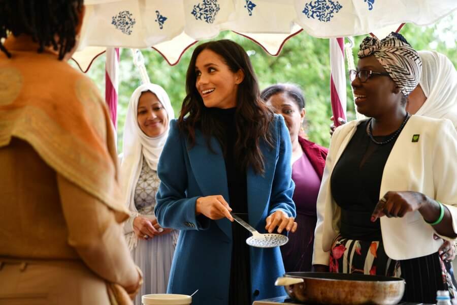 Doria Ragland, avec sa fille Meghan Markle, au palais de Kensington, le 20 septembre.