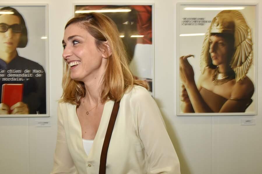 En 2016, à la Galerie Dupin pour l'exposition de Stephanie Foenkinos elle affiche une beauté joviale