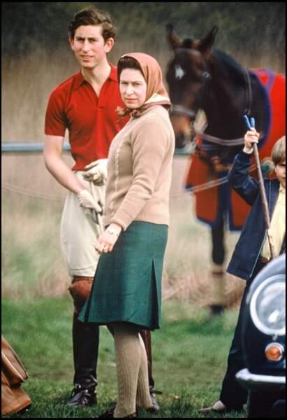 Le prince Charles et la reine Elizabeth II à Badminton en 1967
