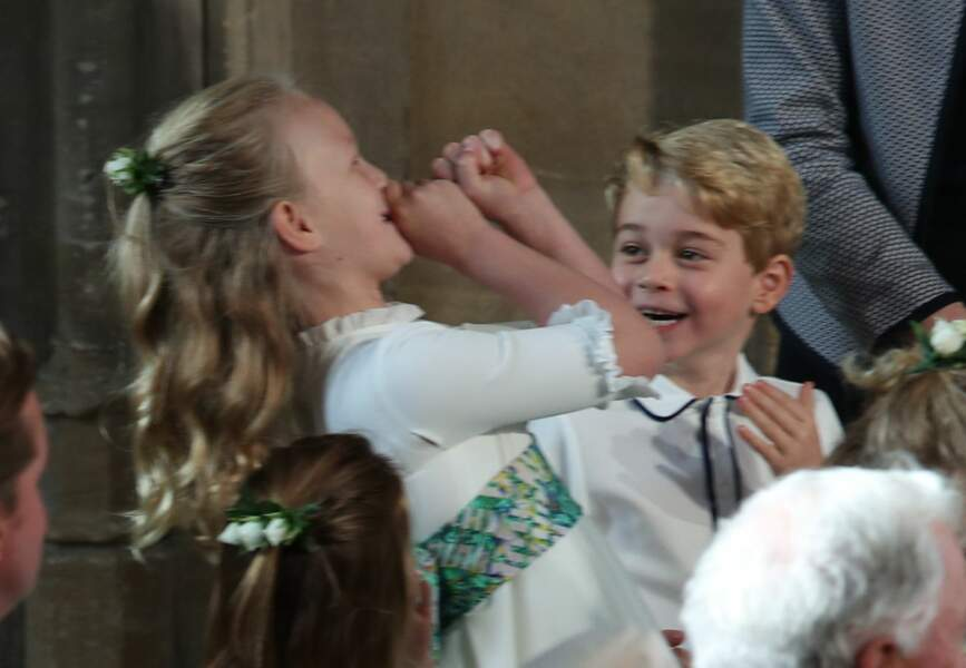 Savannah Phillips et le prince George excités