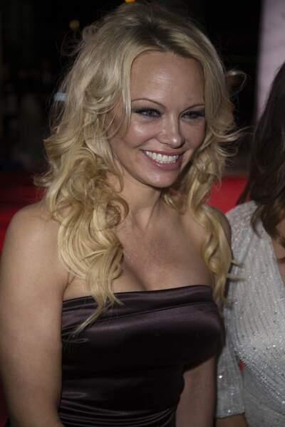 Pamela Anderson, première candidate confirmée par TF1 !