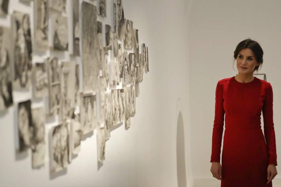 Letizia d'Espagne dans une robe framboise sublime