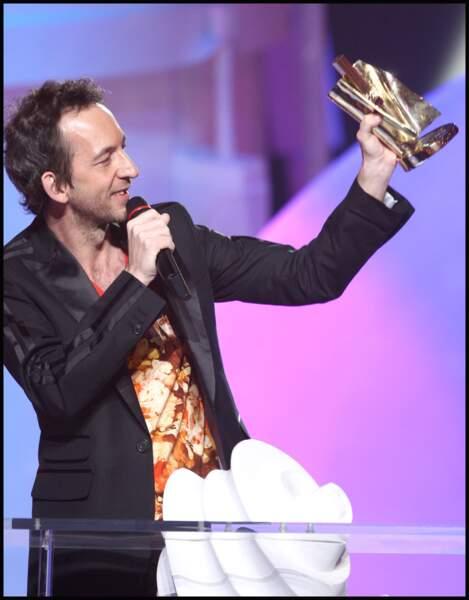 Arthur H reçoit la Victoire de la Musique de l'album Pop/Rock de l'année, en 2009