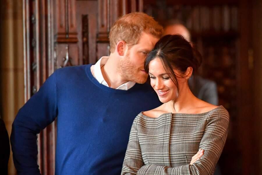 Le prince Harry et Meghan Markle très complices lors de leur visite au château de Cardiff le 18 janvier 2018.
