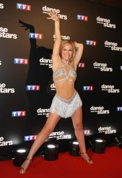 Emmanuelle Berne dans son itsi bitsi tout petit bikini à strass