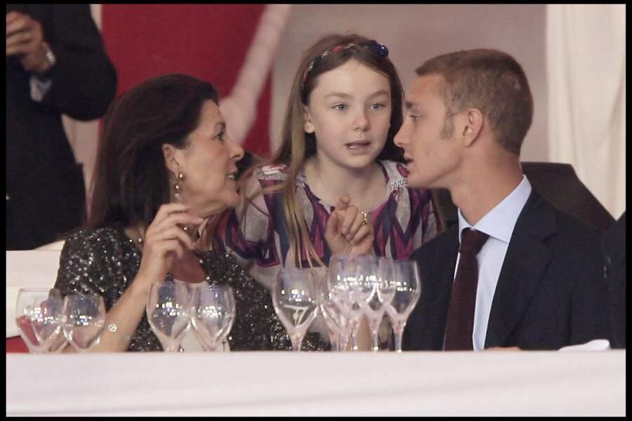Alexandra de Hanovre, sa mère Caroline et son frère Pierre Casiraghi au 16e Jumping International de Monaco le 25 juin 2010