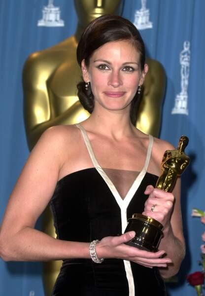 """En 2001, elle remporte l'Oscar de la meilleure actrice pour """"Erin Brockovich, seule contre tous"""""""