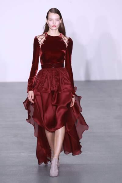 Antonio Berardi aime le velours en rouge passion