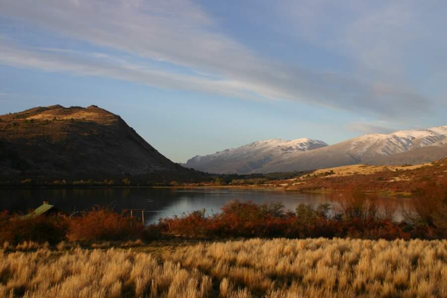 Paysage de Patagonie, région où est cultivée la rose musquée des soins  Rosazucena