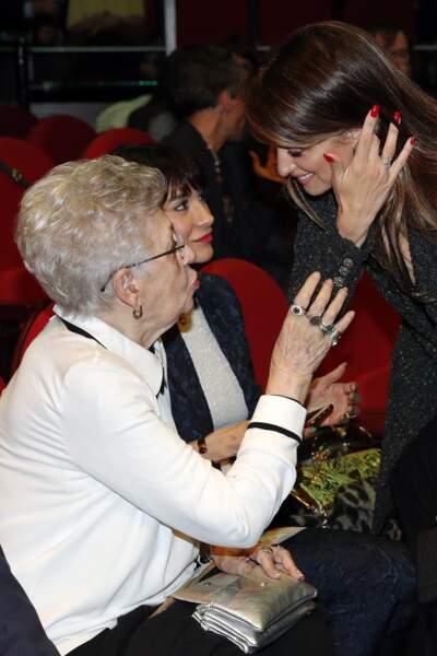 Ce lundi 11 mars, la mère de Javier Bardem, Pilar Bardem, comptait parmi les professionnels qui l'ont applaudi