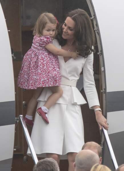 La duchesse de Cambridge est assistée par la fidèle nounou, Maria Borello.