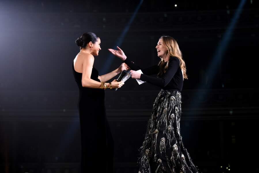 Meghan Markle et Clare Waight Keller sont amies depuis le mariage de la duchesse, pour une robe Givenchy iconique !