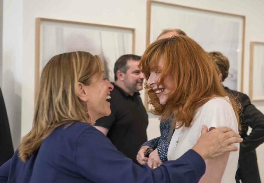 Retrouvailles complices entre Sylvie Lancrenon et Mylène Farmer