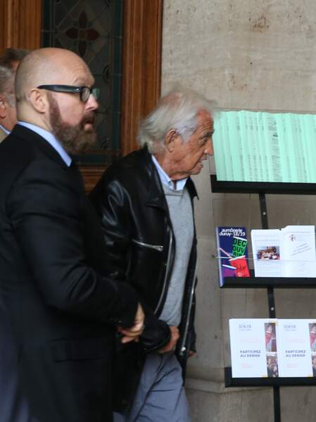 Jean Paul Belmondo aux obsèques ducomédien Jean Piat en l'église Saint François-Xavier à Paris le 21 septembre 201