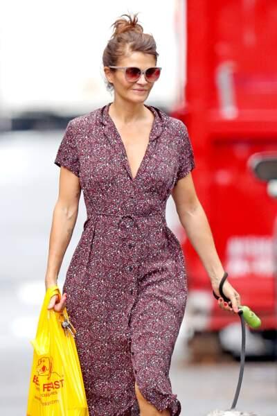 Le bun avec la frange attachée, une variante, mi chic mi cool comme Helena Christensen