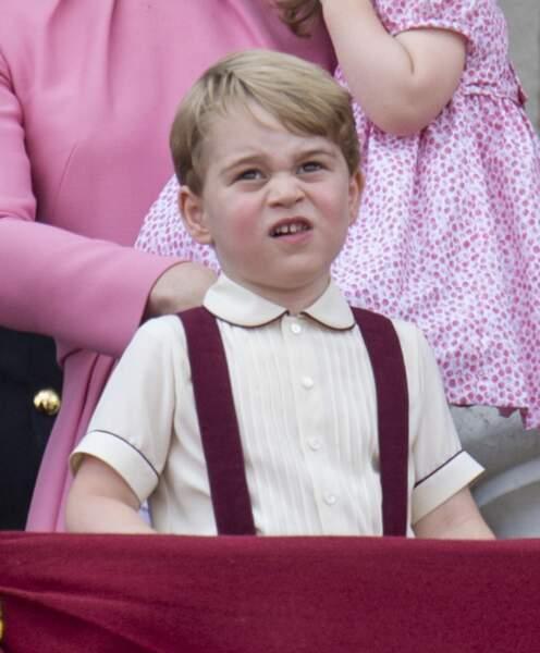 Le prince George - La famille royale d'Angleterre au palais de Buckingham pour assister à la parade