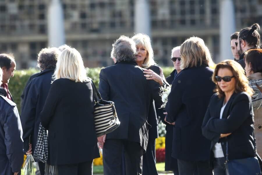 Maryse, l'épouse de Philippe Gildas, au cimetière du Père-Lachaise, à Paris, le 5 novembre 2018.