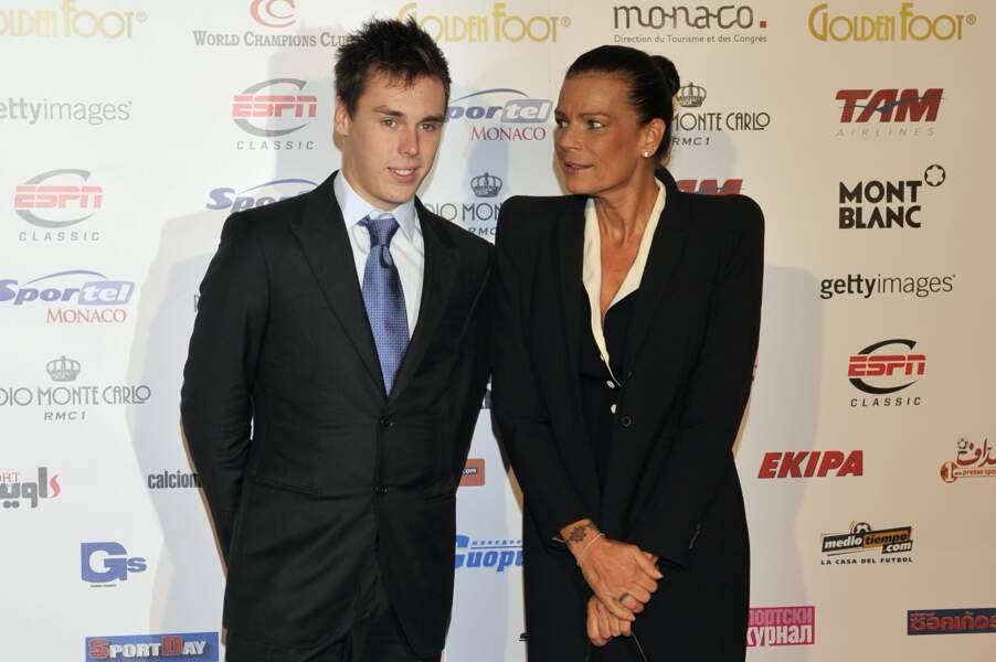 """La princesse Stephanie de Monaco et son fils Louis à la cérémonie du """"Golden Foot Award"""" à Monaco le 17 Avril 2012"""