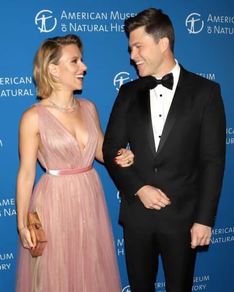 Scarlett Johansson et son compagnon Colin Jost toujours très élégants