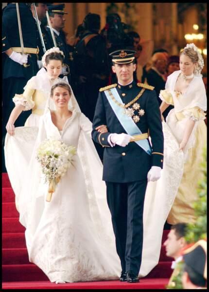 Mariage de Felipe d'Espagne et Letizia Ortiz (en robe Manuel Pertegaz) le 22 mai 2004 à Madrid