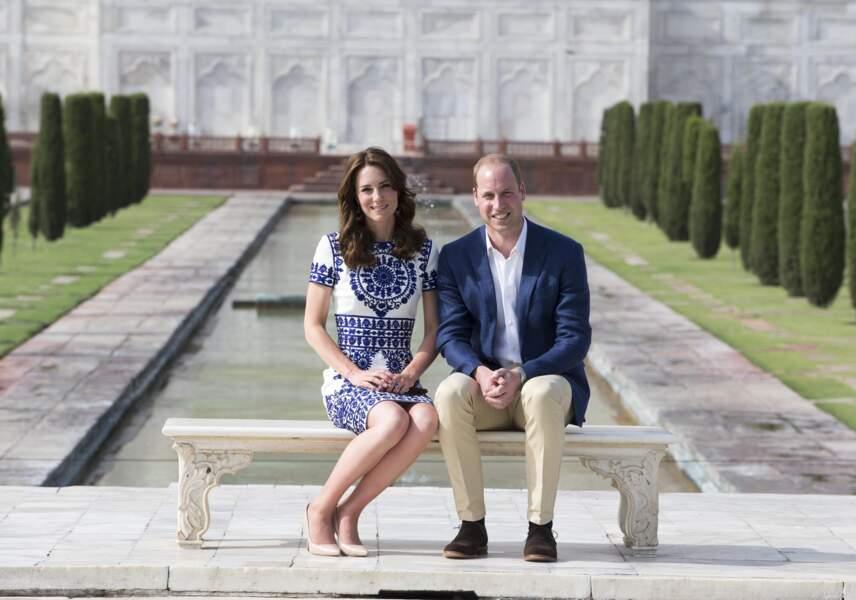 William et Kate  posent devant le Taj Mahal le dernier jour de leur visite en Inde à Agra le 16 Avril 2016