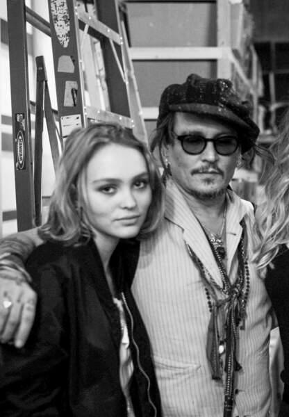 Lily-Rose Depp est devenue presque plus célèbre que son père Johnny