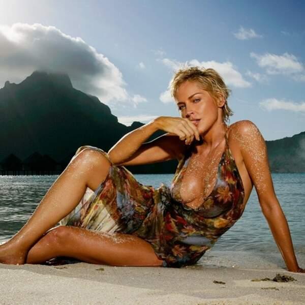 A 59 ans, Sharon Stone n'est pas frileuse.