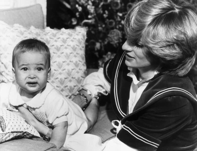William et la princesse Diana, à Kensington Palace en décembre 1982