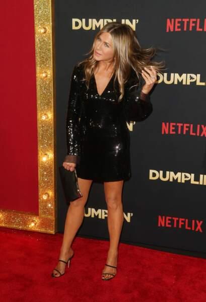"""Jennifer Aniston (50 ans), à la première du film """"Dumplin'"""" à Los Angeles, en 2018"""