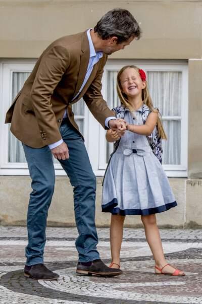 Frederik de Danemark avec sa fille Josephine, le jour de la rentrée scolaire, le 15 août 2017