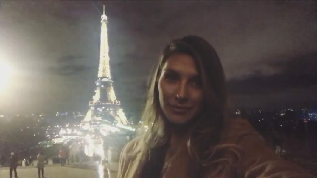 Camille Cerf a profité pour faire un selfie avec la Dame de Fer