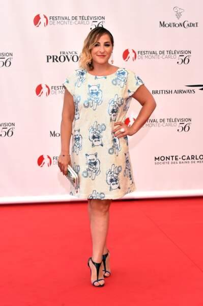 En robe imprimé chatons, au Festival de Monte Carlo en juin 2016