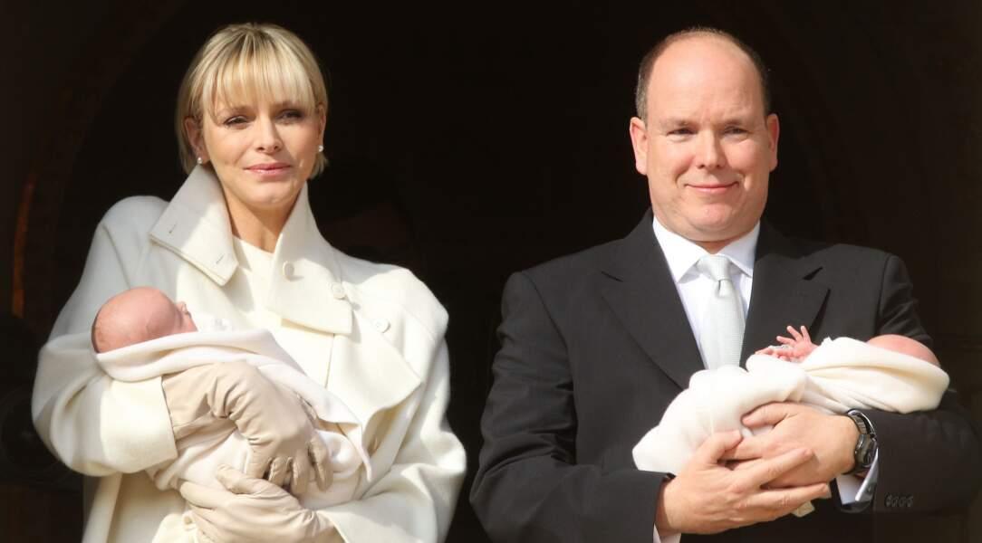 Présentation de Gabriella et Jacques de Monaco au balcon du palais princier de Monaco, le 7 janvier 2015