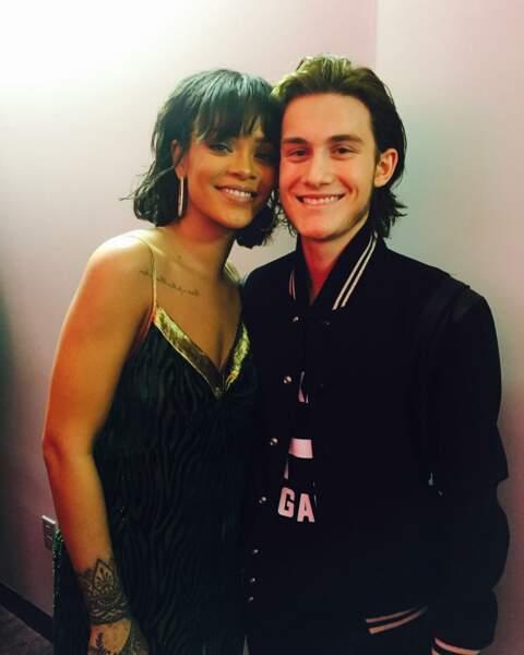 René-Charles s'affiche fièrement avec la sublime Rihanna dans les coulisses des Billboard Music Awards en 2016
