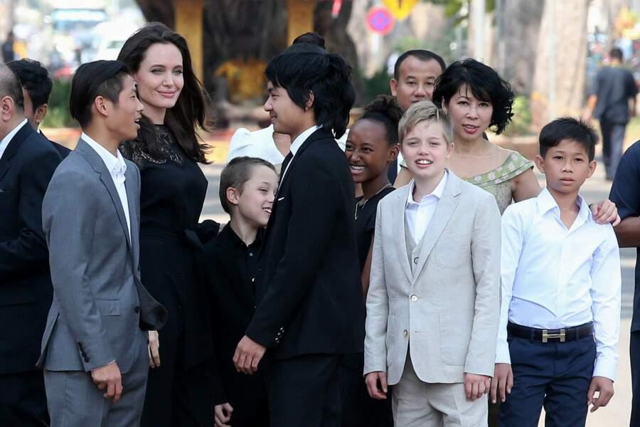 L'actrice semble avoir retrouver le sourire malgré sa rupture difficile avec Brad Pitt.