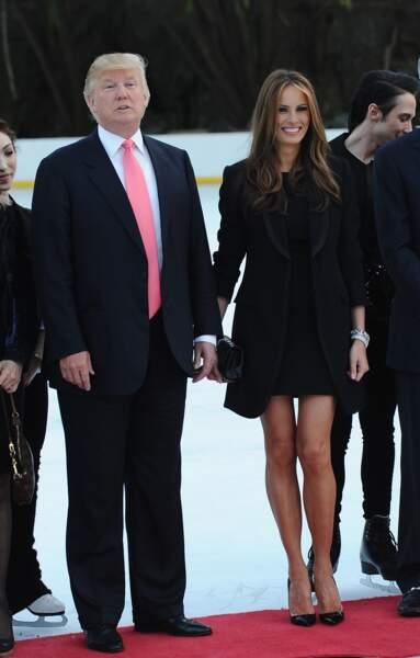 Avril 2010: la future First lady montre encore ses jambes, même aux abords d'une patinoire, à New York