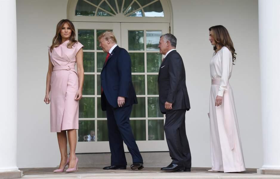 Melania Trump, en robe rose poudré Proenza Schouler, pour accueillir Abdallah et Rania de Jordanie, le 25 juin 2018