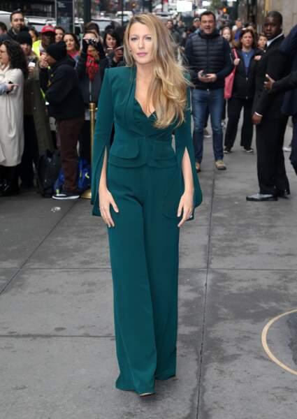 Blake Lively, la jolie maman incarne la blondeur californienne à la perfection