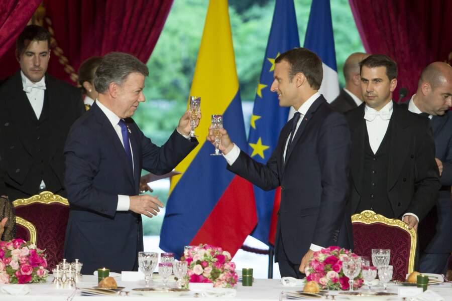 Tchin Tchin entre Juan Manuel Santos et Emmanuel Macron