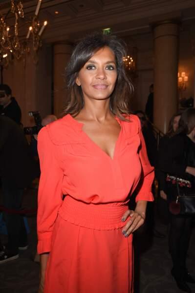 Karine Le Marchand, tout de rouge vêtue, lors d'un gala de bienfaisance à Paris, en 2018