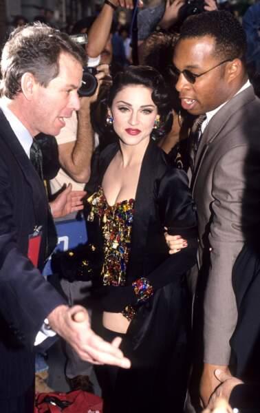 Madonna et son brushing bouclé rétro à la Liz Taylor, en 1991 à New York