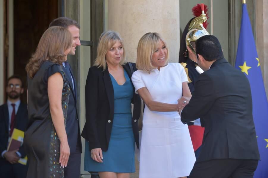 Emmanuel et Brigitte Macron accueillent le président du Guatemala et sa femme