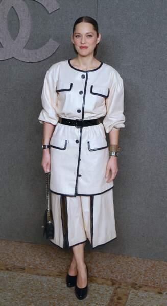 Marion Cotillard tellement lookée qu'on dirait Gabrielle Chanel