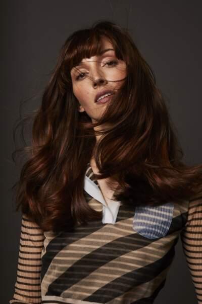 Passez à la coloration végétale pour des cheveux en pleine santé.