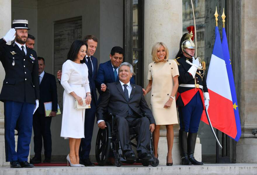 Brigitte Macron s'est montrée très souriante, aux côtés du président de l'Équateur et son épouse
